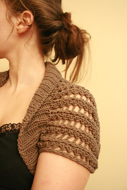 Ribbed_lace_bolero